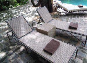 Tambuti pool lounger in Shimmer antiga