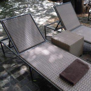 Tambuti pool lounger in Shimmer antiga